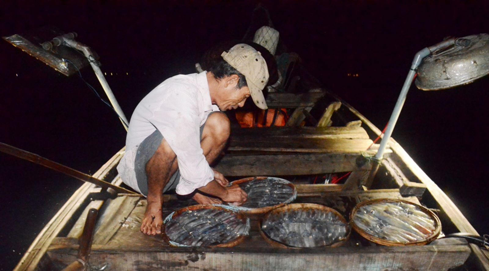 Diligence makes it possible for fishermen to become wealthy