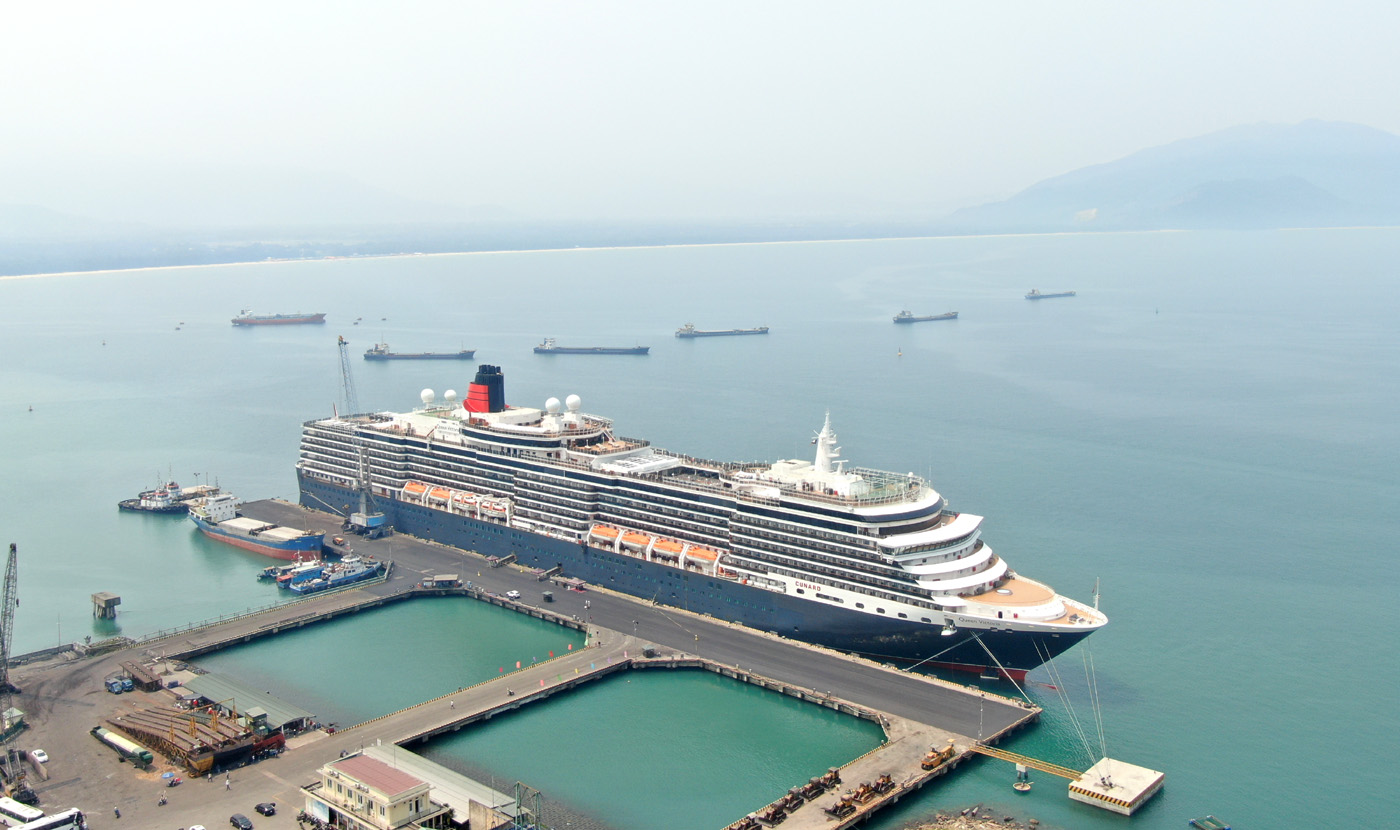 In recent years, Chan May port has usually welcomed the luxurious cruises