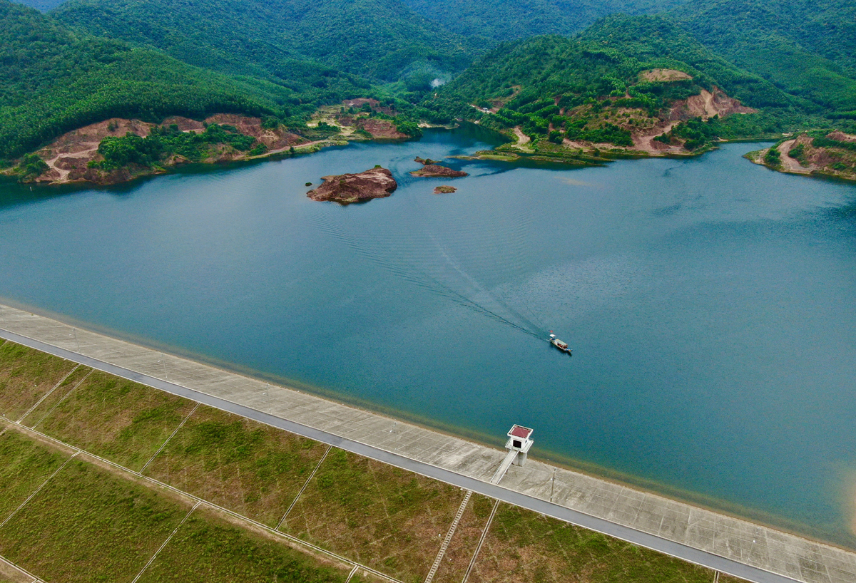 Thuy Yen lake is picturesque as seen from above