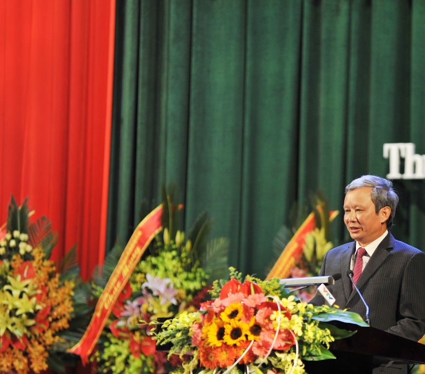 Responding to the Chairwoman of the National Assembly, Secretary of the provincial Party Committee Le Truong Luu called on Thua Thien Hue Party Committee, Government and People to strive to become an economic center of the key economic region of Central Vietnam and of the whole country.