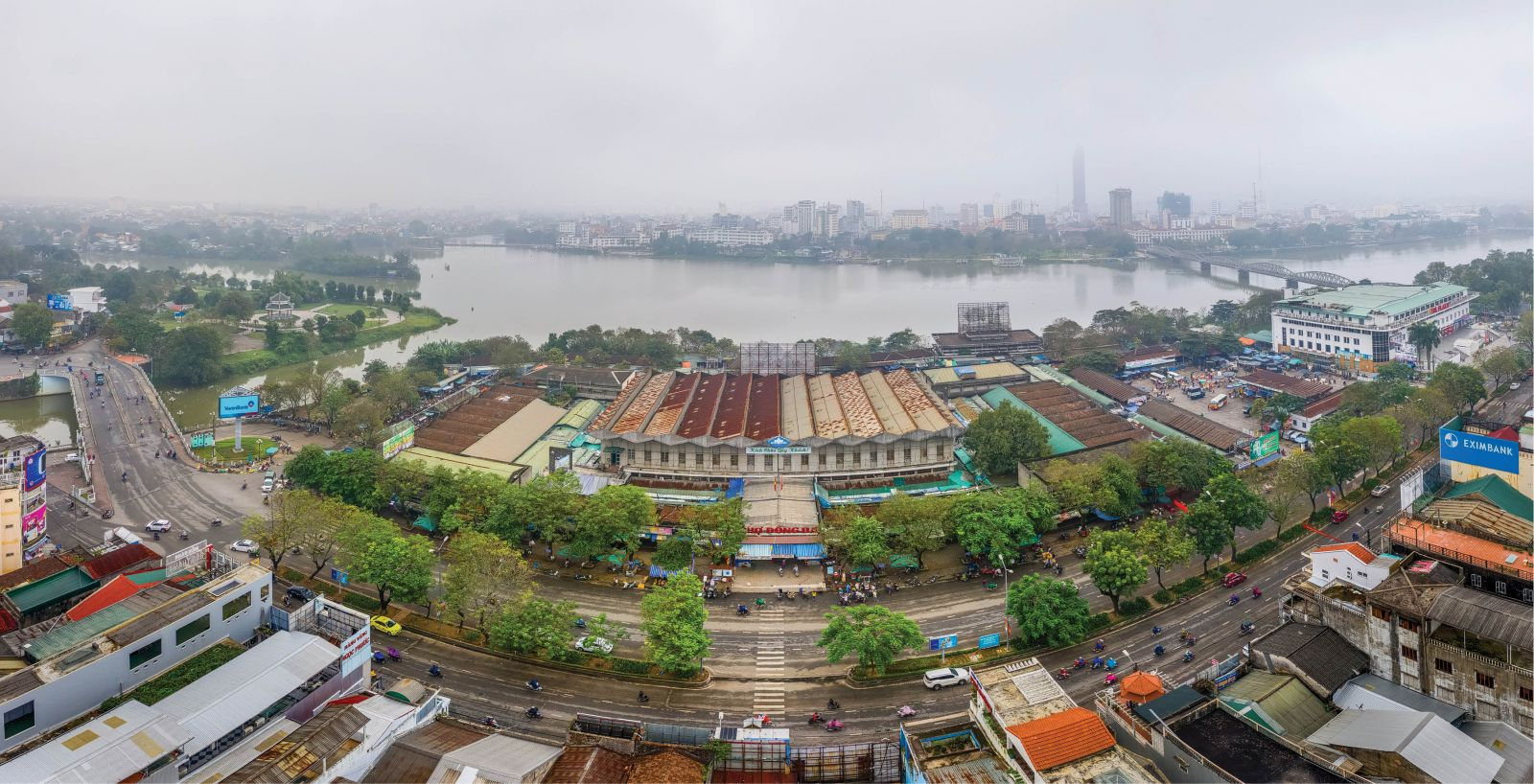Dong Ba Market as seen from above