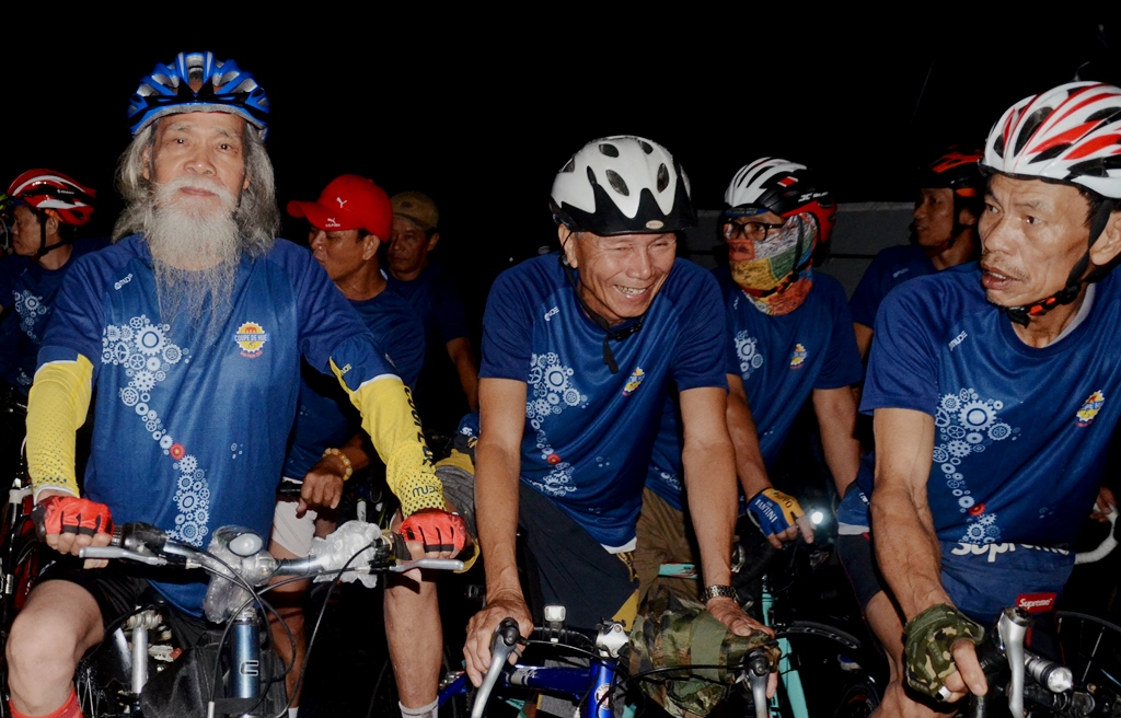 In this race, there was also the participation of seniors from the Pham Family Bicycle Club
