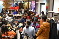 Nhộn nhịp Black Friday