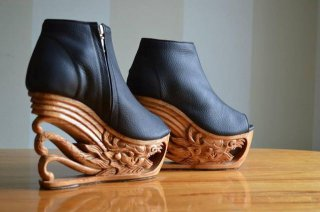 Dragon Shoes