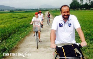 Cycling tour to enjoy Hue's suburban landscape