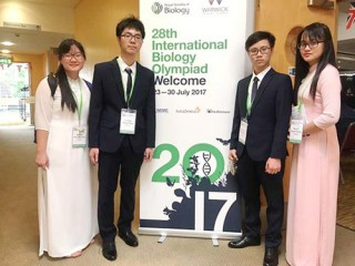 Quoc Hoc gifted High school's student wins the Gold medal of international biology Olympiad 2017