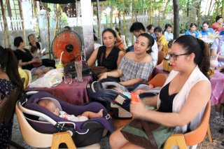 Breastfeeding Journey Through Vietnam goes to Hue