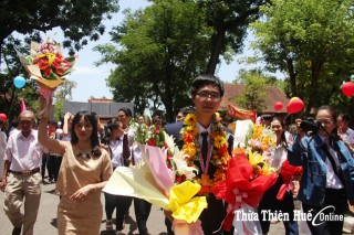 "Truong Dong Hung - The ""golden"" boy of Quoc Hoc High School in Hue"
