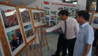 Photo exhibition on ASEAN and Vietnam – Laos relations