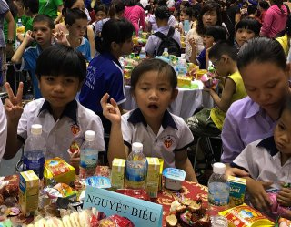 Full Moon Festival for children in difficult circumstances
