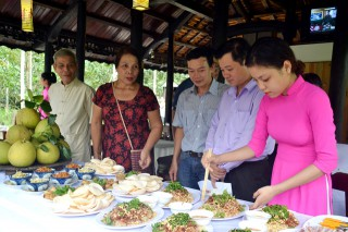 "Launching the ""Thuy Bieu in the morning – Tam Giang in the afternoon"" tour"