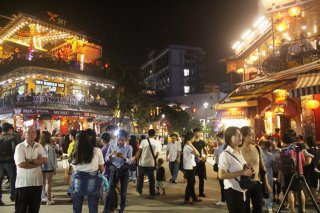 Western Quarter - pedestrian streets after a month into operation