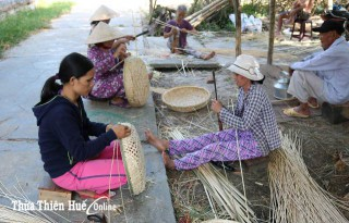 Restoring and developing craft villages