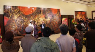 """Thien – Dia – Nhan"" exhibition of artist Truong Be"