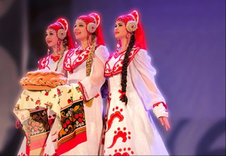 "Russian folk art collective ""Siberian Patterns"" to perform in Hue Festival 2018"