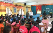 Public health training by U.S. experts for Vinh My people