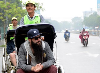 "Director of ""Kong: Skull Island"" visits Hue"
