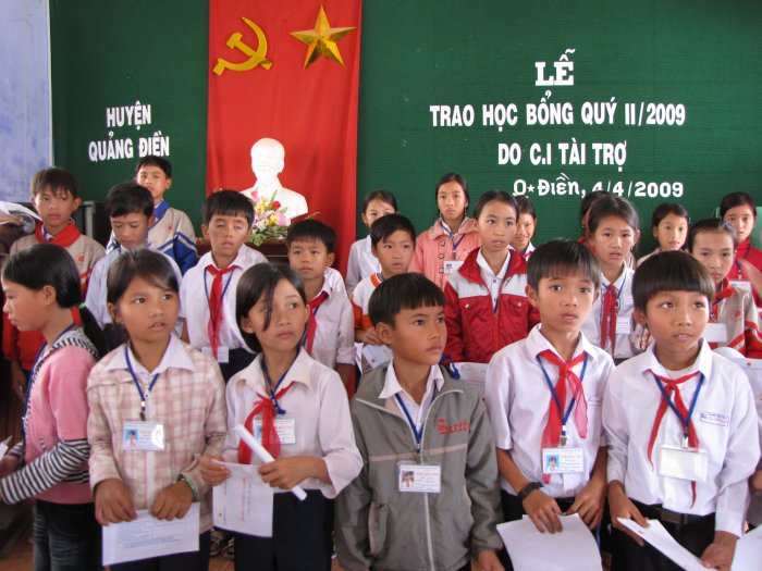 Zhi-Shan Foundation:  Continuing to support over VND 4 billion to help children in difficult circumstances