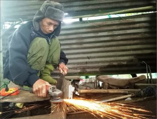 Preserving the traditional forging craft