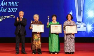 "Successor of Hue royal cuisine honored as ""Top Vietnamese culinary artisan"""