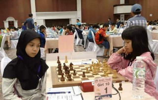 Nguyen Ha Khanh Linh brings joys to Hue chess