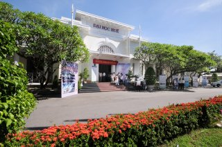 Hue University ranked top 10 in Vietnam for ISI-standard scientific researches