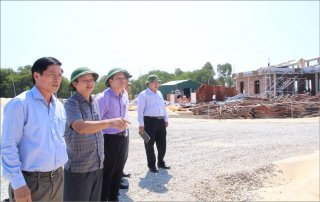 """Phong Dien District needs drastic agricutural development"""