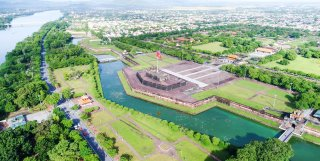 Hue city orients types of services and tourism to attract visitors
