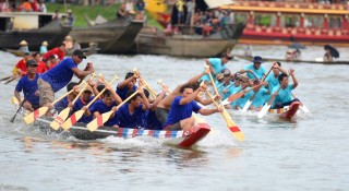 Boat racing to celebrate the Independence Day