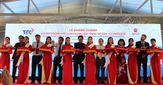 Inaugurating Phong Dien TTC solar power plant