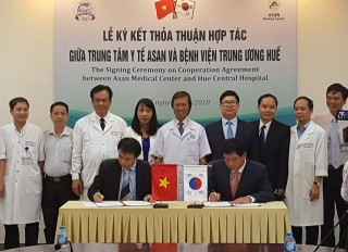 Hue Central Hospital signed the cooperation program for liver transplant with ASAN Medical Center