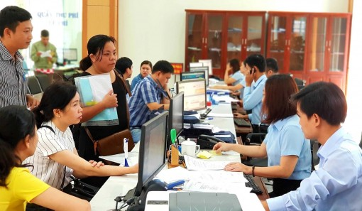 "Approving the project ""Completing e-government of Thua Thien Hue province in 2018 – 2020 period"""