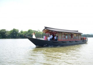 Nam Xuan – a high-class tourist boat launched on the Huong River
