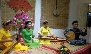 Hue city organizes many art performances to attract tourists