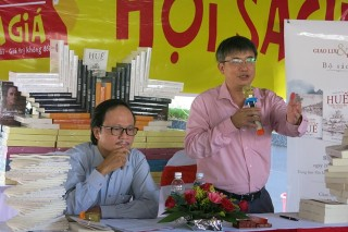 Researcher Tran Duc Anh Son brings out his book set on Hue
