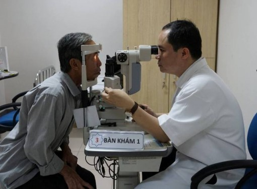 Eye-examining, counseling and providing free eyeglasses to the poor