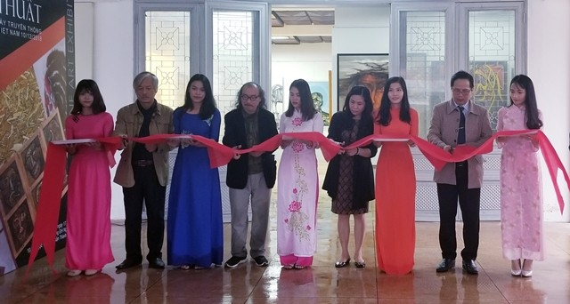 Artistic exhibition to celebrate traditional Day