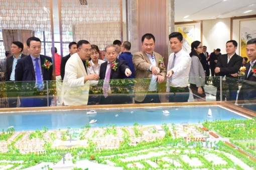 Setting to work on 368 million USD Minh Vien - Lang Co international tourist area