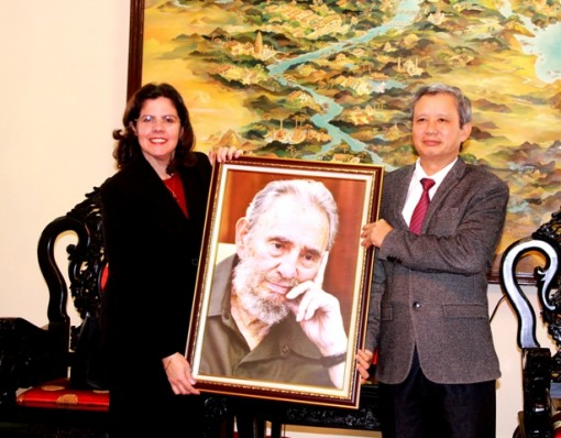 Secretary of the Provincial Party Committee Le Truong Luu receives Ambassador of the Republic of Cuba to Vietnam