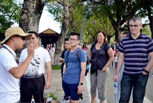 Maximally supporting tourists when they come to Hue