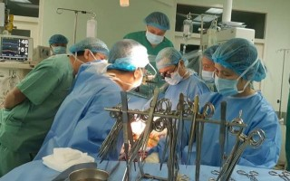 Successful heart transplant across Vietnam early in 2019 at Hue Central Hospital