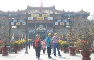 Hue heritage site welcomes 130,000 visitors