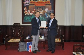 Hue University signs cooperation agreement with Pukyong National University, South Korea