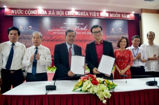 "Signing cooperation agreement to build the project ""Hue - The Capital of Gastronomy"""