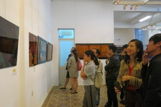 "Hue city hosts an exhibition of 22  lacquer paintings on the theme of ""Time"""