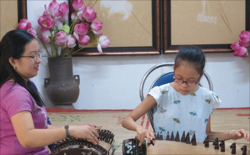 Inspiring students with traditional instruments