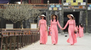 "Hue's ao dai ""branded"" by default"