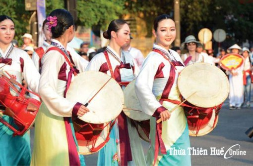 Famous Korean singers to perform in Hue