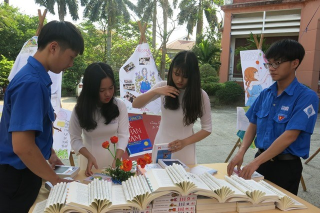 Students enthusiastically participate in the Reading Culture Festival