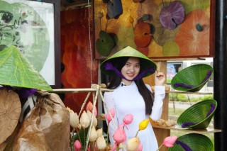 The quintessence of Vietnamese traditional crafts gathers in Hue